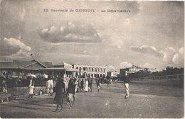 DJ DJIBOUTI - 12 - Le Débarcadère - Animée - Belle - Gibuti