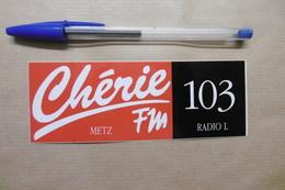"Autocollant - Médias RADIO "" Chérie FM "" METZ 103 RADIO L - Autocollants"