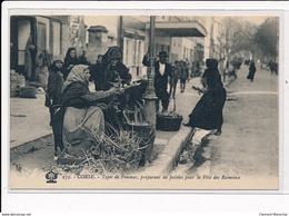 CORSE : Types De Femmes, Préparant Les Palmes Pour La Fête Des Rameaux - Tres Bon Etat - France