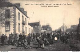 BELLE-ILE-en-TERRE : La Mairie Et Les Ecoles - Tres Bon Etat - Autres Communes
