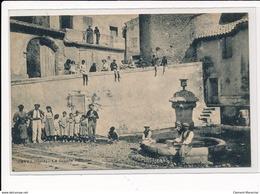 TAVEL : La Grande Fontaine - Tres Bon Etat - Altri Comuni