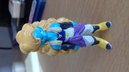 FIGURINE NI BLONDE 5,5 CM - Figurines