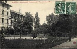 Cp Vierzon Cher, Ecole Nationale Professionnelle, Vue Prise Dans Le Parc - France