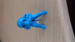 FIGURINE NI PLONGEUR CAMERA 4,5 CM - Figurines