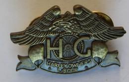 Pin's Harley Davidson / Insigne HOG Harley Owners Group 1983 Longueur: 3,6 Cm - Motos