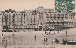 Carte Postale Ancienne Du Calvados - Cabourg - Grand Hôtel, La Plage - Cabourg