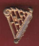 59520-Pin's.Harpe.Lyre.. - Musique