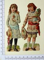 2 CHROMOS DECOUPIS.......H  12 Cm.......ENFANTS AVEC DES FLEURS ET TENANT UN CHAPEAU - Enfants