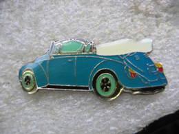 Pin's D'une Coccinelle De Couleur Bleue Décapotée (Volkswagen) - Volkswagen