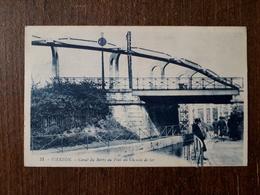 L23/224  VIERZON. Canal Du Berry Au Pont Du Chemin De Fer - Vierzon