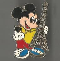 Pin's Mickey Avec Tour Eiffel - Disney