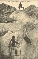 74 CHAMONIX MONT BLANC CHASSEURS DE CHAMOIS EDITEUR  E.REYNAUD2008 - Chamonix-Mont-Blanc