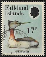 Falkland Islands SG489 1984 Grebes 17p Good/fine Used [40/32639/4D] - Falkland Islands