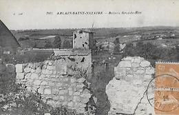 Ablain Saint Nazaire. Les Ruines Situées à Grande Rue. - France