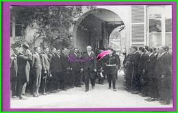 61 Orne ARGENTAN Reproduction Photo Papier - Sous Préfecture L'arrivée Des Autorités Remise Du Drapeau Blanc Jean Wolf - Reproductions