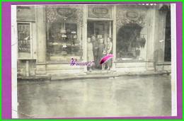 61 Orne ARGENTAN Reproduction Photo Papier - Inondations En 1937 - Rue De La Chaussée Au 1er Plan Melle TREHEL - Reproductions