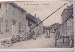 Vavray Le Petit (51) La Rue Haute (belle Animation) Déchirure Au Dessus Du Triqueballe De 2 Cm Visible De Dos - France