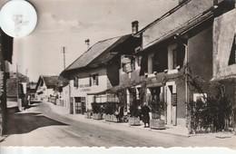 74 - Très Belle Carte Postale Semi Moderne Dentelée De CONTAMINE SUR AVRE  Intérieur Du Village - Contamine-sur-Arve