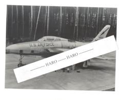 USAF - (Photo N° 1 : +/- 18 X 24 Cm ) D'un Avion Republic F - 84F  De L'armée Américaine - 1950...60..(b258) - Aviation