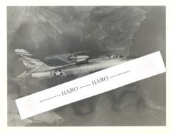 USAF - (Photo N° 2 : +/- 18 X 24 Cm ) D'un Avion Republic F - 84F  De L'armée Américaine - 1950...60..(b258) - Aviation