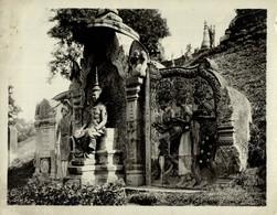 CAMBODIA  CAMBODGE VILLE PHNOM PENH STATUE DE SM SISOWATH DANS LES JARDINS  23*18CM Fonds Victor FORBIN 1864-1947 - Lugares