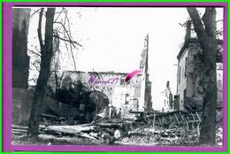61 Orne ARGENTAN Reproduction Photo Papier Boulevard Mezeray Rue Devant Le Chateau Vue Chapelle St Nicolas Bombardé 1944 - Reproductions
