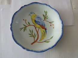 ASSIETTE  HENRIOT QUIMPER - Oiseau  GROS BEC - Quimper/Henriot (FRA)
