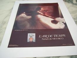 ANCIENNE PUBLICITE PARFUM  L AIR DU TEMPS DE NINA RICCI  1977 - Perfume & Beauty