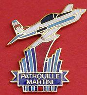 LL 502.......AVIATION...........PATROUILLE   MARTINI...............pas De Défauts ! - Avions
