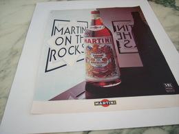 ANCIENNE PUBLICITE MARTINI APERITIF 1977 - Alcools