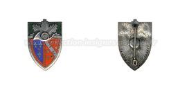 Insigne Du 1er Régiment De Chasseur - Militaria