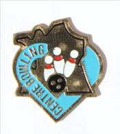 Pin's CENTRE BOWLING - Boule Et Quilles De Bowling - Carte De France- Jordenen - I430 - Bowling