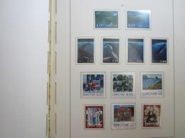 Faroe Islands 2001 ,  Facit 402 - 413  (Complete Sets) (Box 1 - 43) - Islas Faeroes