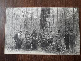 L23/241 RARE . MARCILLY . Uu Rendez-vous De Chasse Au Chêne De Crouvizier . Forêt Domaniale De Marcilly - France