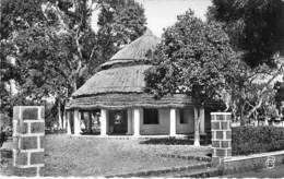 AFRIQUE NOIRE - GUINEE FRANCAISE : PITA - Le Tribunal  - CPSM Dentelée Noir Blanc Format CPA - Black Africa - Guinée Française