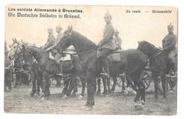 Les Soldats Allemands à Bruxelles Deutscheu Soldaten In Brussel En Route Strassenbild Cheval Non Circulée - België