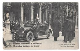 Les Soldats Allemands à Bruxelles Deutscheu Soldaten In Brussel Devant L'hotel De Ville Vor Dem Rathaus Non Circulée - Other