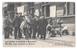 Les Soldats Allemands à Bruxelles Deutscheu Soldaten In Brussel à La Gare De Schaerbeek Bahnhof  Non Circulée - België