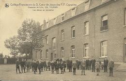 TOURNAI - Collège Du S. Coeur De Jésus Des P.P. Capucins, Les élèves En Récréation - Doornik