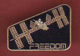 59558-Pin's.Freedom.satelitte.espace.nasa... - Espace