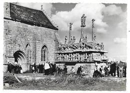 Cpsm: 29 SAINT JEAN TROLIMON (ar. Quimper) Calvaire De TRONOËN (animé, Bigoudènes)  1966  N° 442 - Saint-Jean-Trolimon