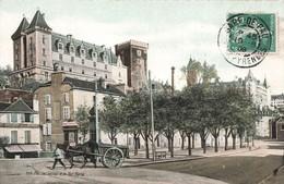 64 Pau Le Chateau Et La Rue Marca Cpa Carte Animée Colorisée Attelage Cachet Gare De Pau 1909 - Pau
