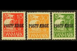 "PARCEL POST 1927-30 Caravel Solid Background ""Postfaerge"" Overprints Complete Set (SG P252/54, Michel 12/14, Facit PF23/ - Unclassified"