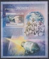 U276. Mozambique - MNH - 2013 - Space - Apollo 8 - Bl. - Autres