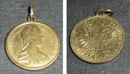 Rare Ancienne Médaille En Laiton, Reproduction Pièce/monnaie Autriche, M Theresia  Burg Co Tyr 1780 Archid Aust Dux - Pendentifs