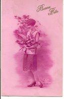 L60A135 - Bonne Fête - Jeune Femme Avec Un Bouquet - Léo N°1921 - Holidays & Celebrations