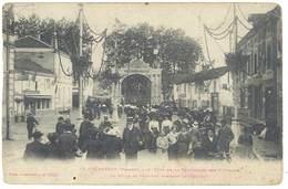 CPa Granges - Fête De La Fédération Des Vétérans - La Foule ... ( état ) - Granges Sur Vologne