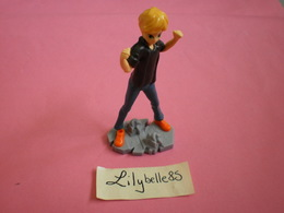 Kinder Surprise Figurine Personnage Adrien Agreste MIRACULOUS - Ü-Ei