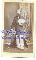 NOUMEA 1883 OFFICIER DE MARINE COLON - CDV PHOTO HUGHAN PHOTOGRAPHE DU GOUVERNEMENT - NOUVELLE CALEDONIE - Photos