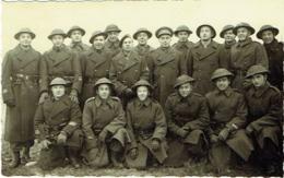 Foto/Carte Photo. Militaria. Groupe De Soldats. Militaires. - Guerre, Militaire